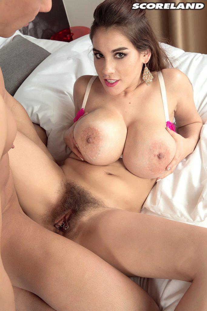 Mischel Lee in Big Tits Big Bush